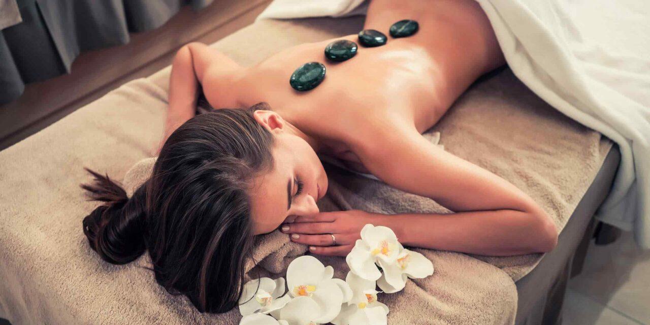 https://www.thewoulfecollective.com.au/wp-content/uploads/2018/10/spa-stone-massage-3-1280x640.jpg